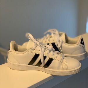 Women's white Adidas Neo shoe size 8.5